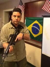 Investigador Rodrigo Martin de Toledo, no curso da SWAT 2013, em Dolphin Mall, Miami- USA. (acervo de Roberto Faria, Segurança Profissional)