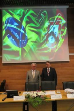 Delegado de Polícia Diretor da ACADEPOL Mário Leite de Barros e o Professor da ACADEPOL, Desembargador Ricardo Cardozo De Mello Tucunduva, no Congresso Internacional de Polícia Judiciária, em Lisboa- Portugal.