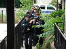 INVESTIGADOR DE POLICIA AURÍSIO VIEIRA DE MELO JÚNIOR DA SECCIONAL DE POLICIA DE MARÍLIA SP, PARTICIPOU NO MÊS DE ABRIL DE 2012 DO CURSO DE TREINAMENTO DE ARMAS E TATICAS ESPECIAIS S.W.A.T DALLAS POLICE DEPARTAMENT.