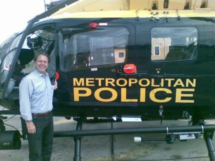 Delegado de Polícia George H Millard Henry Millard em visita à Polícia Metropolitana de Londres- Inglaterra.
