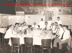 Equipe da Chefia da Primeira Delegacia Auxiliar (Passou para o nome DEGRAN, atual DECAP), no Pátio do Colégio, em 1.968. Aniversário do Chefe dos Investigadores Edgar Targa: À partir da esquerda, Investigadores Bueno, Aguilera, Aristides Zacarelli, Haroldo Nordi, Mário Bedaque, Edgar Targa, José Delgado Aguilera, (?), (?), (?), Rodolfo Palacios e (?).