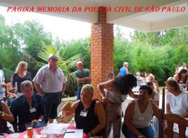"""Emocionante manifestação do Investigador Armando Mizutani """"Bodão"""": PRA VCS... MEUS AMIGOS(AS).... 3º ENCONTRO DA VELHA GUARDA DA POLÍCIA CIVIL DO ESTADO DE SÃO PAULO-SP... Boa Tarde Hoje, Domingo, todos nós reunimos no sítio do Chefe Pedro Cerignoni Bonamin, para comemorar o 3º ENCONTRO DA VELHA GUARDA DA POLÍCIA CIVIL DO ESTADO DE SÃO PAULO-SP. Queria poder expressar o quanto é maravilhoso este sentimento da Amizade. Reaver amigos e parceiros de longa data, trabalhamos lado a lado, com esses velhos Guerreiros, é tão valoroso e brilhante, feito um laço invisível que une almas. Mas, não consigo achar palavras para dizer, o quanto um amigo é Especial. Um tesouro que guardo com todo carinho dentro do meu coração. A maior de todas as artes, é aquela que nos leva realizar a felicidade no espírito, pois essa felicidade, dá força e intensidade a toda nossa vida, tem o dom de propagar-se aos que amamos e iluminar quem caminha ao nosso lado... Muito Obrigado meus amigos(as), esse encontro não há dinheiro do mundo, que possa comprar; espero sempre poder reaver esses GUERREIROS de longa data e quando as coisas não acontecem do jeito que a gente quer, é por que vão acontecer melhor do que a gente pensa...""""QUE VENHA O 4º ENCONTROS DA VELHA GUARDA DA POLÍCIA CIVÍL-SP""""...Abraços a todos amigos(as)..."""