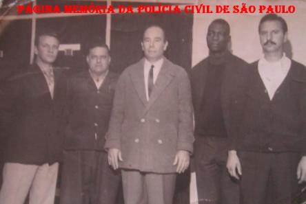 Equipe da RUPA- Ronda Unificada da Primeira Auxiliar, em 1.969. À partir da esquerda: Investigadores Adão, Natal, Jorge, Cidão e Alfredo. (Acervo de Nonno Marco Simões).