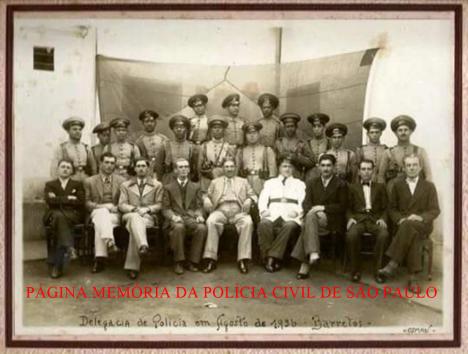 Políciais do Município de Barretos, em agosto de 1.936. Acervo da Delegada Silvana Ferreira.