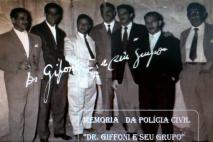 Equipe do DI- Departamento de Investigações, do Delegado de Polícia José Othoniel Giffoni (ao centro de terno preto), na década de 60.