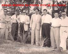 No campo de futebol do Corinthinha de Presidente Prudente, em 1.959. À partir da esquerda, Delegado Roberto João Julião, (?), (?), Francisco Severino Junior, Prefeito Sandoval; (?) e Delegado Helio de Azevedo Marques.