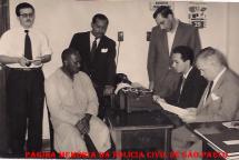 Prisão em Flagrante Delito sobre entorpecente no 3º DP de Santos, em 29/10/1958. Delegado Aulo M. Homem de Melo Lacerda e Escrivão Roberto João Julião.