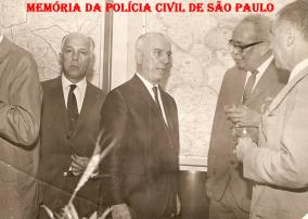 Grande exponente da Polícia Civil Delegado José Renê Motta, Coronel Chaves (Secretário da Segurança Pública), Delegado Coriolano Nogueira Cobra (duas vezes Delegado Geral de Polícia), em 1968. (acervo da Investigadora de Itu Tânia Cione).