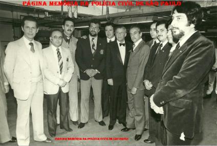 Equipe do DOPS procedendo a segurança do cantor Frank Sinatra, em 1.981. Investigadores Jose Roberto Arruda, Mario Carvalho e o saudoso Vergal (posteriormente passou para Delegado).