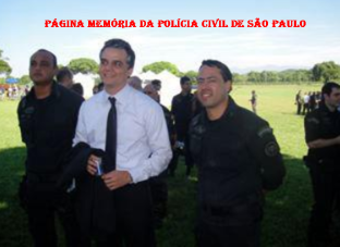 Investigador de Polícia Marcelo Rafael ao lado do Ator Wagner Moura nos bastidores do Tropa de Elite 2 onde trabalhou instruindo policiais com técnicas de atuação e alguns atores com técnicas e maneirismo policiais.