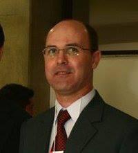 Investigador de Polícia Élio Jardim, Vereador reeleito da cidade de Tuiuti/SP, 47 anos de idade e Diretor da União do Vereadores do Estado de São Paulo.