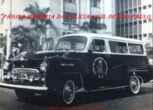 Raríssimo registro de uma viatura da antiga RONE- Ronda Noturna Especial da 6ª Divisão Policial, a famosa R 2, 1.961/1962. ( Acervo do Dr. Paulo Sérgio O. Fleury).