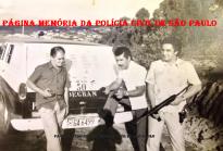 """RONE 50 Oeste- Ronda Noturna Especial da 6ª Divisão Policial, em 1.972. Investigadores Sebastiao Moreira de Azevedo """"Ceará"""", Vital e Tadeu Pereira. (Acervo do Investigador Marco Quaranta)."""
