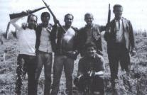Na foto, Correinha, o segundo da direita para a esquerda, junto aos componentes da RUDI (caso de Taquarituba).