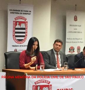 Delegada Raquel Gallinati, a primeira mulher eleita presidente do Sindicato dos Delegados de Polícia do Estado de São Paulo- SINDPESP. Tomou posse dia 2/12/2016, para o triênio 2016/2109, sendo aberta a solenidade pelo deputado Delegado Olim. Prestigiaram o evento importantes autoridades, como o Delegado Geral de Polícia- DGP, Dr. Youssef Abou Chahin (na foto), o Delegado Adjunto Júlio Gustavo Vieira Guebert, os diretores de departamento Dr. Albano David Fernandes (DEMACRO), Dr. Emídio Machado Neto (DEIC) e Dr. Domingos Paulo Neto (CORREGEPOL) e várias outras Autoridades. https://www.facebook.com/MemoriaDaPoliciaCivilDoEstadoDeSaoPaulo/photos/a.359815487474362.1073741848.282332015222710/1060882140701023/?type=3&theater