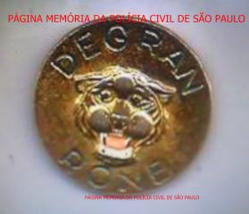 Medalha da RONE- Rondas Ostensivas Noturna Especial da 6ª Divisão Policial, na década de 60. https://www.facebook.com/MemoriaDaPoliciaCivilDoEstadoDeSaoPaulo/photos/a.399685730154004.1073741858.282332015222710/1352111678244733/?type=3&theater