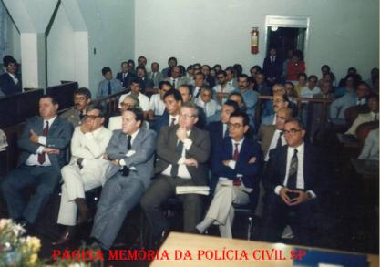 Em um evento na cidade de Urupés,em 1.989, ícones da Polícia Civil À partir da esquerda Delegados Jorge Miguel, Haroldo Ferreira, Manoel Aranha Peixe, Cyro Vidal Soares, Guilherme Santana e Álvaro Franco Luz, em 1.989. https://www.facebook.com/MemoriaDaPoliciaCivilDoEstadoDeSaoPaulo/photos/a.359815487474362.1073741848.282332015222710/1236623823126853/?type=3&theater