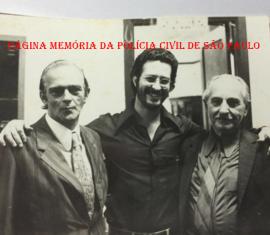 """Chefes da DIG do DEIC, na década 70. Investigadores Lourenço Gonzalez (um dos últimos policial civil a ter o extinto cargo de Inspetor de Polícia), Sebastião Pereira """"Tião"""" e Mario Frangela. https://www.facebook.com/MemoriaDaPoliciaCivilDoEstadoDeSaoPaulo/photos/a.1013664612089443.1073741897.282332015222710/1078675292255041/?type=3&theater"""