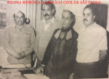 Delegacia de Repreensão à Vadiagem da DIG- DEIC, em 1981. Investigadores X, Cypriano, Elias Barudi e Nogueira. https://www.facebook.com/MemoriaDaPoliciaCivilDoEstadoDeSaoPaulo/photos/a.1013664612089443.1073741897.282332015222710/1247525032036732/?type=3&theater