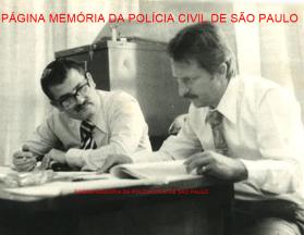 O saudoso Pesquisador Dactiloscópico Renato Lazzari (à direita), um dos grande profissionais da identificação, no IIRG, final da década de 70. https://www.facebook.com/MemoriaDaPoliciaCivilDoEstadoDeSaoPaulo/photos/a.334989943290250.1073741838.282332015222710/1168718629917373/?type=3&theater